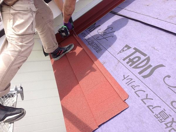神奈川県愛甲郡愛川町 T様邸 屋根カバー工法、外壁樹脂サイディング工事、雨樋の交換、破風板板金囲い、軒天塗装 (3)