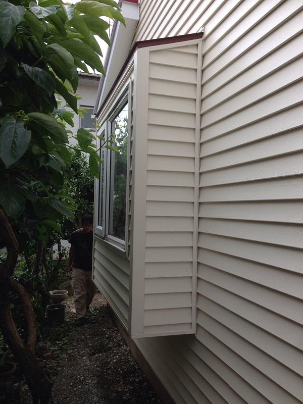 神奈川県愛甲郡愛川町 T様邸 屋根カバー工法、外壁樹脂サイディング工事、雨樋の交換、破風板板金囲い、軒天塗装 (9)