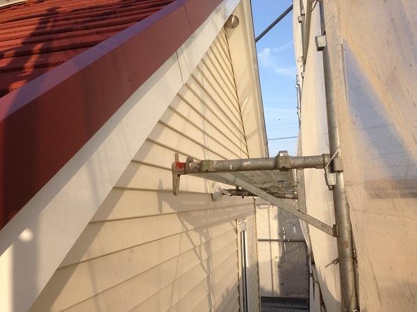 神奈川県愛甲郡愛川町 T様邸 屋根カバー工法、外壁樹脂サイディング工事、雨樋の交換、破風板板金囲い、軒天塗装 (11)